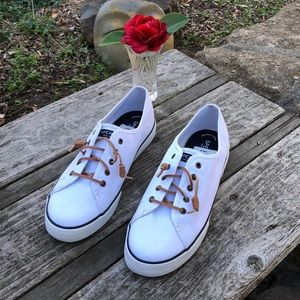 🌺 NWT! Sperry Topsider White Boat Shoes - Wmn. 11